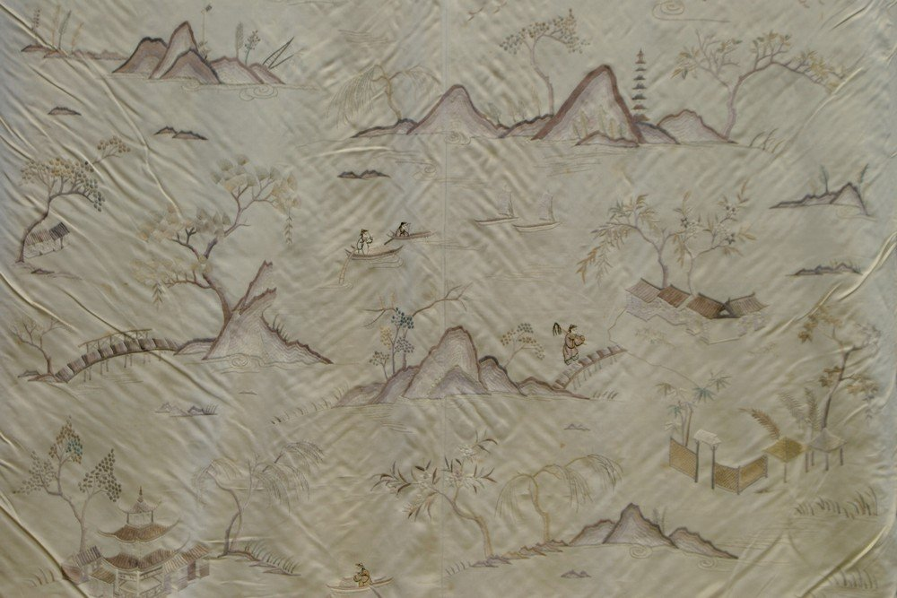 11025: Chinese silk embroidery depicting figures in a l