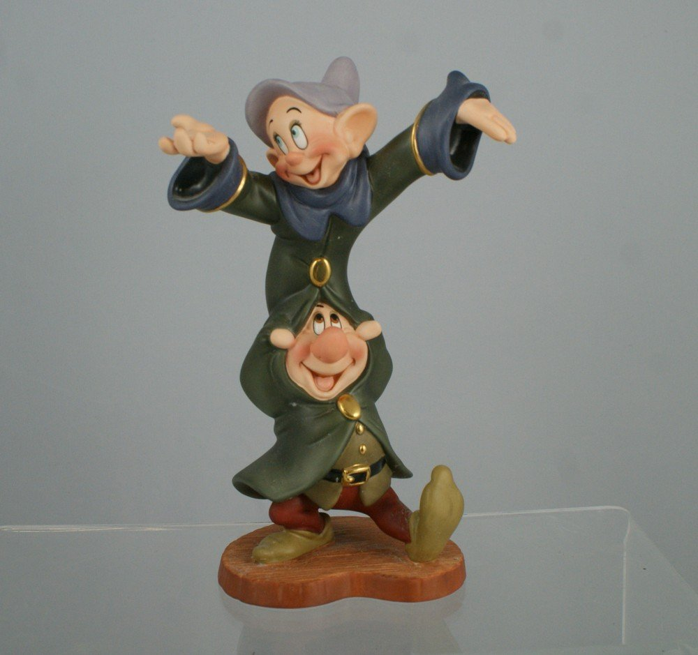 1005: Snow White and the Seven Dwarfs, Dopey & Sneezy D