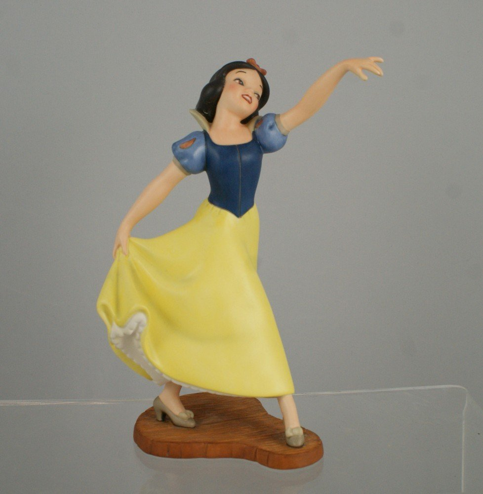 """1006: Snow White and the Seven Dwarfs, """"The Fairest One"""
