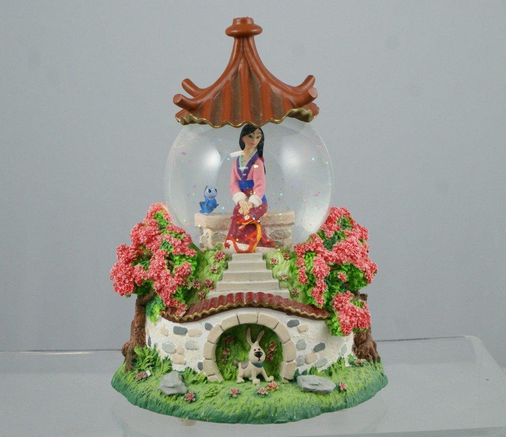 """1032: Mulan musical snow globe, """"Reflections"""", 7 ½"""" tal"""