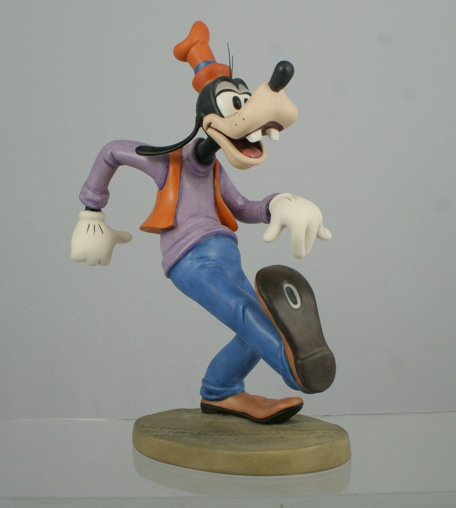 """1040: Moving Day, Goofy """"Oh, the world owes me a livin'"""