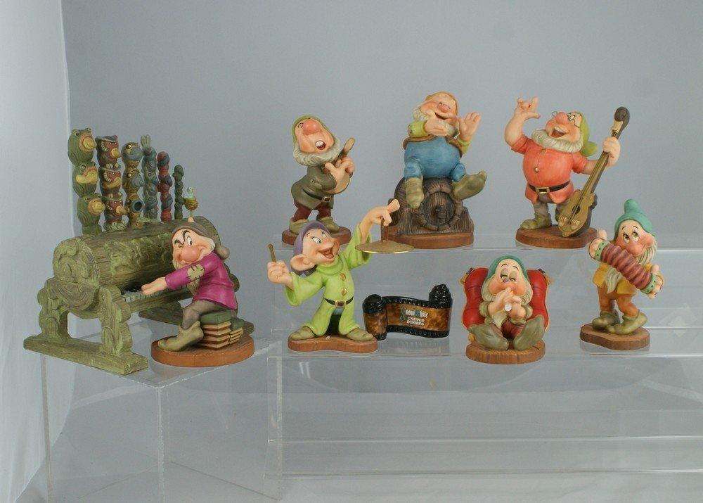 1043: Snow White and the Seven Dwarfs,  Walt Disney Cla