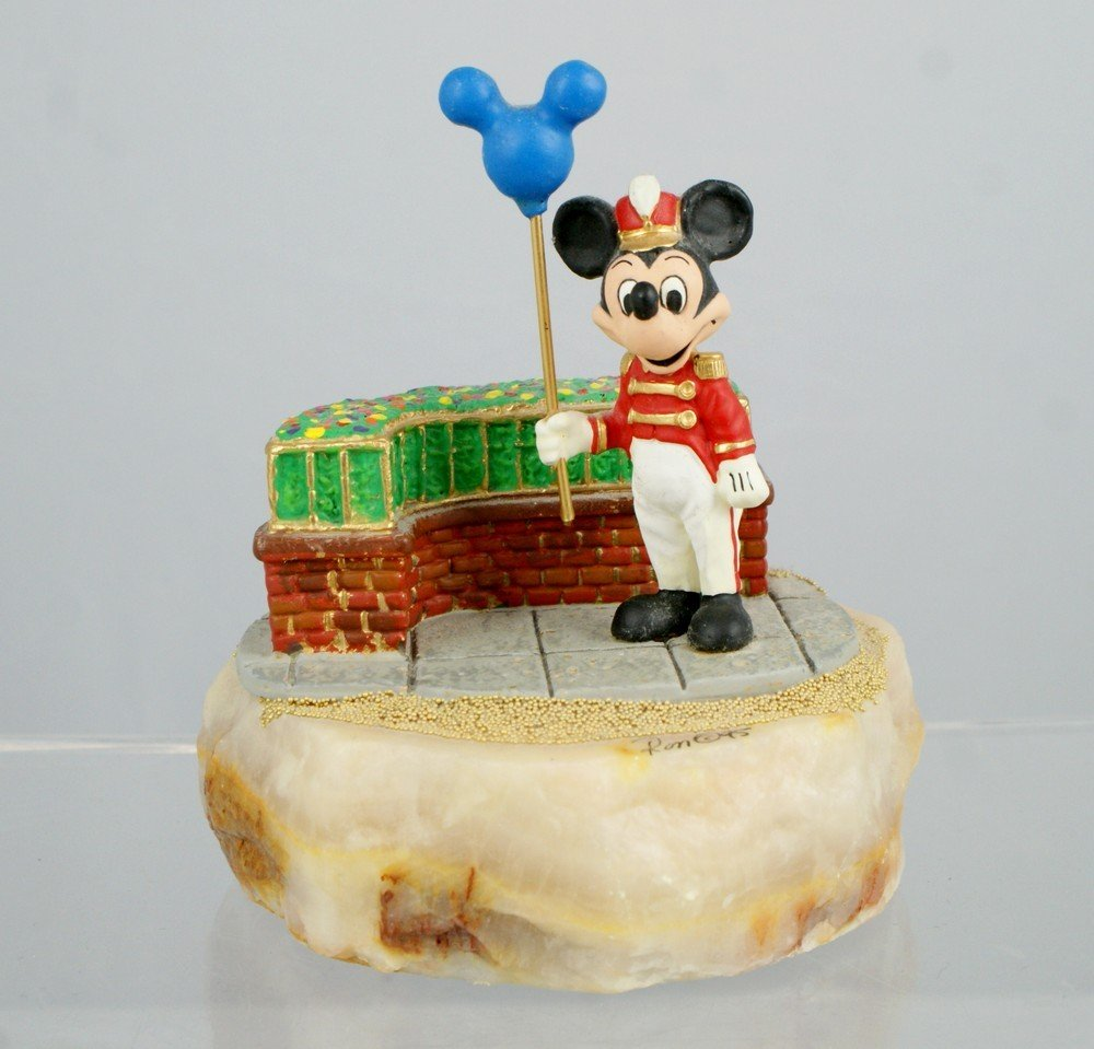 1047: Mickey holding balloon, Ron Lee Sculpture, signed