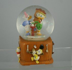 "Daisy & Donald Dancing Musical Snow Globe, ""In Th"