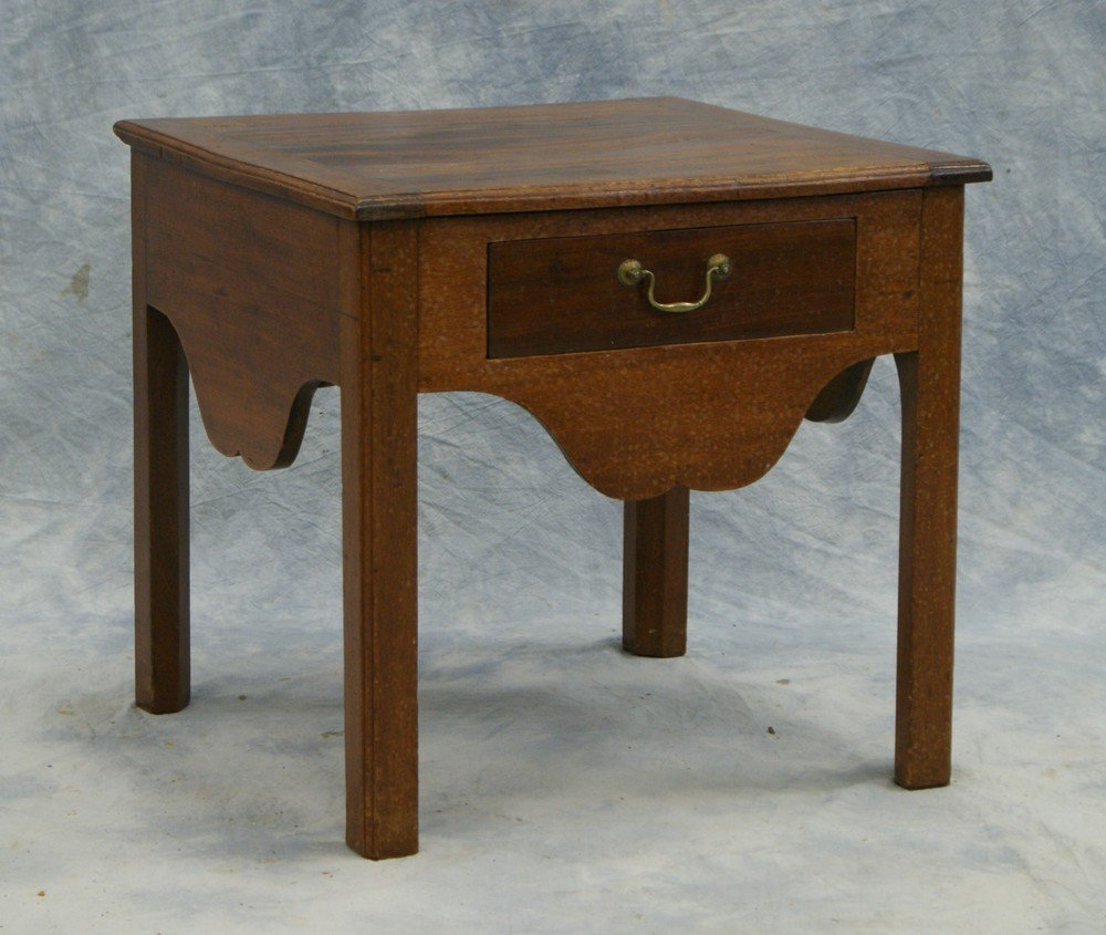 2176: Mahogany Chippendale commode stand with drawer, 1