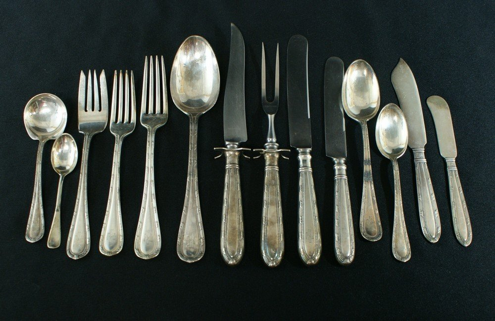 2030: 149 pcs Gorham plated silver flatware, c/o 12 eac