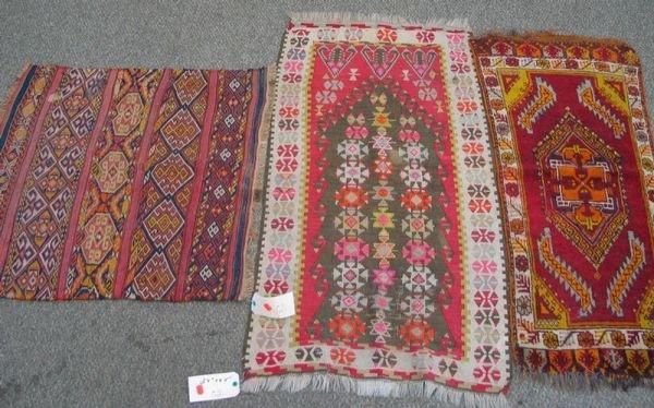 212: 2.10 x 3.0 flat weave, 2.4 x 4.5 flat weave, 1.8 x