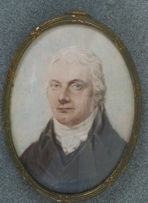 1005: Oval hand painted portrait on ivory, Gentleman wi