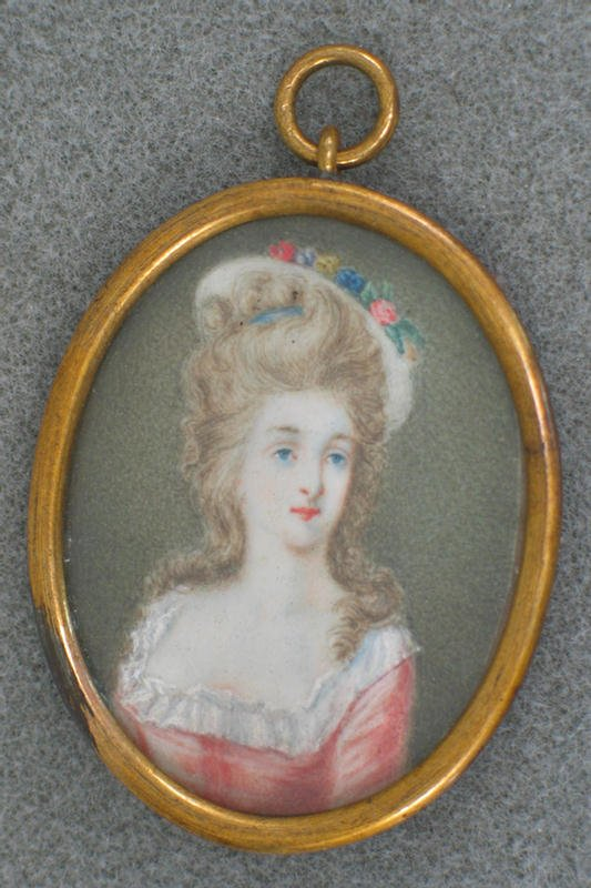 1016: Oval hand painted portrait on ivory, lady in bonn