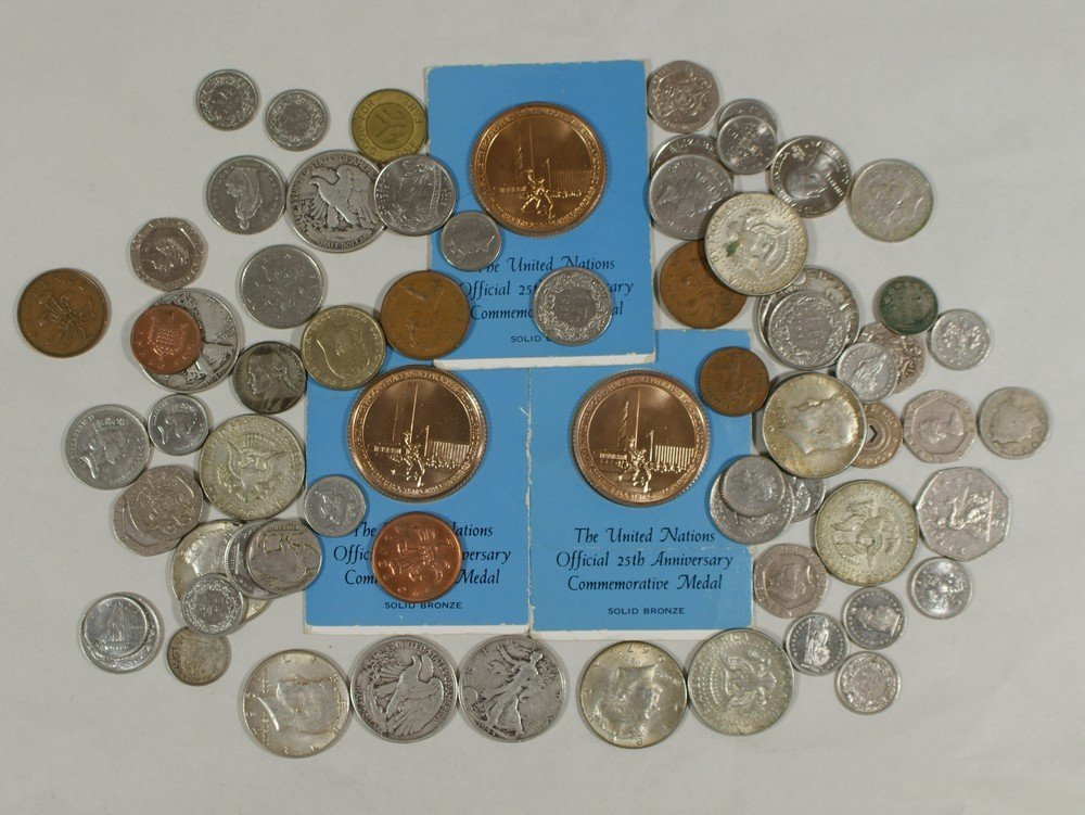 5017: A U.S. and foreign coin mix loose in a bag includ