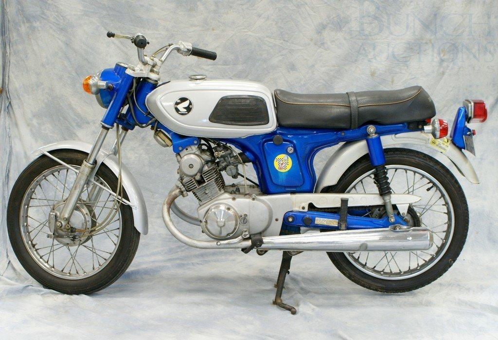 7: 1969 Honda SS125, super sport, rare low production H