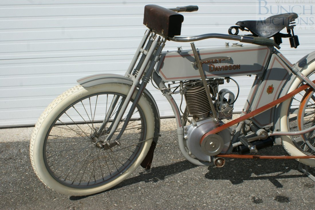 67: 1910 Harley-D Model 6A, This was the bike, a simple - 3