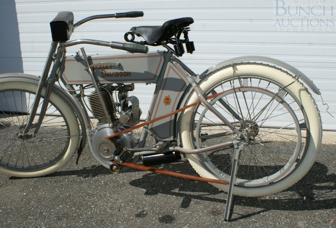 67: 1910 Harley-D Model 6A, This was the bike, a simple - 4