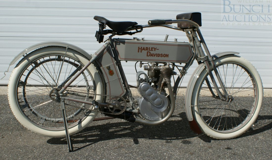 67: 1910 Harley-D Model 6A, This was the bike, a simple - 5