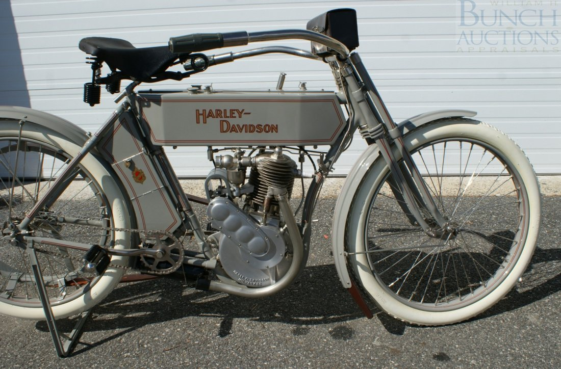 67: 1910 Harley-D Model 6A, This was the bike, a simple - 7