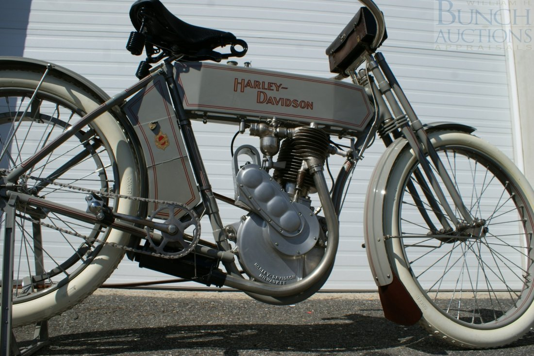 67: 1910 Harley-D Model 6A, This was the bike, a simple - 8