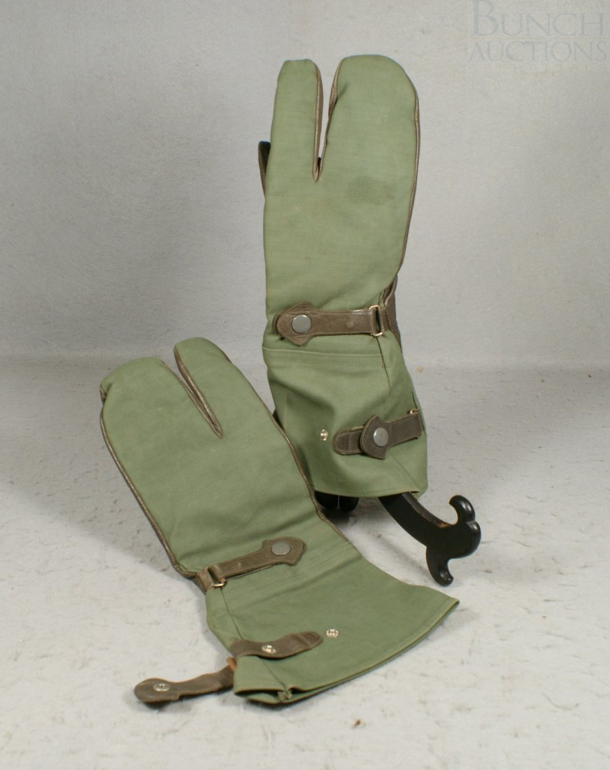 "29A: Green leather and canvas driving gloves,  14"" long"