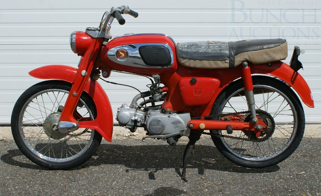 118: 1964 Honda 65cc, runs, needs minor repairs
