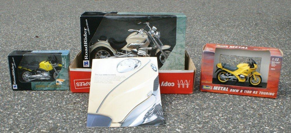 182: Scale Models 1/6 scale BMW R1200c (with original b
