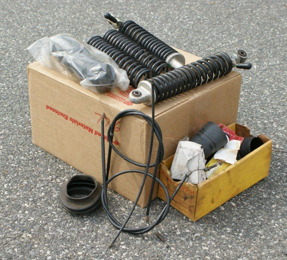 189: Box BMW '77 R100 S parts: original lever shocks, n