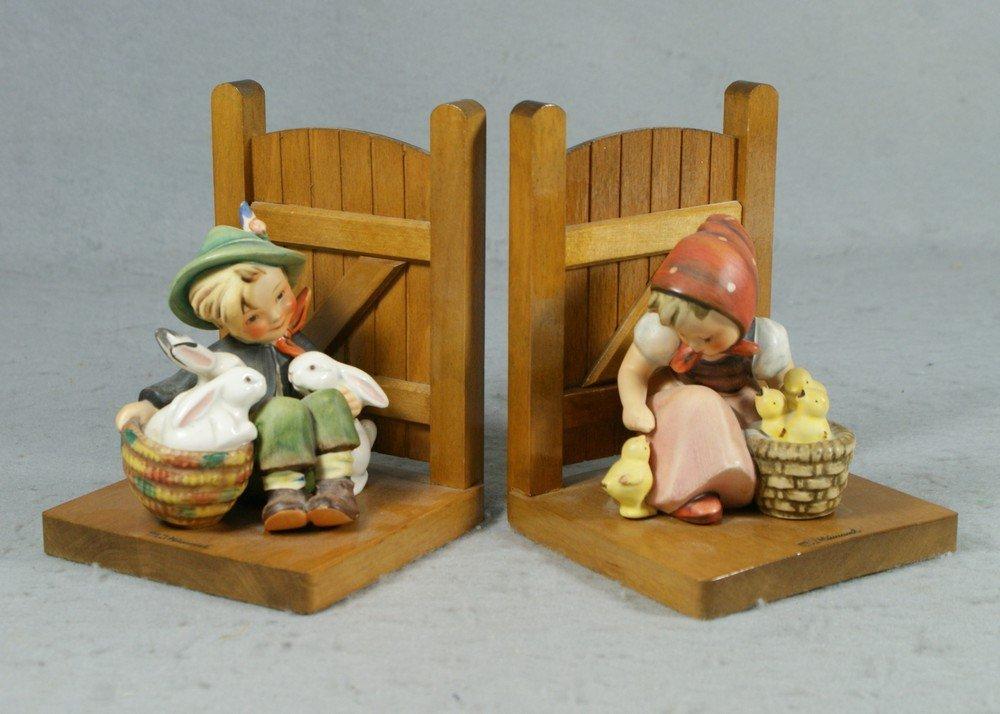 "3017: Hummel figurine bookends, ""Playmates"" & ""Chick Gi"