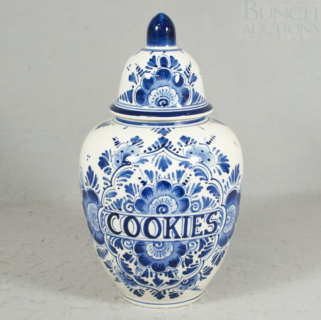 3069: Delft blue decorated cookie jar, marked Delft/Hol