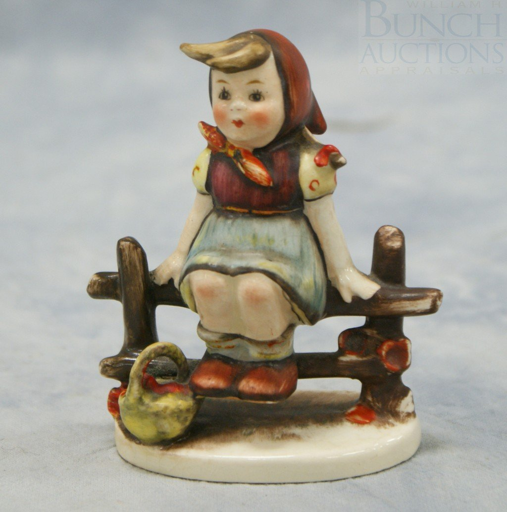 "3072: Hummel figurine ""Just Resting"" No 112, incised cr"