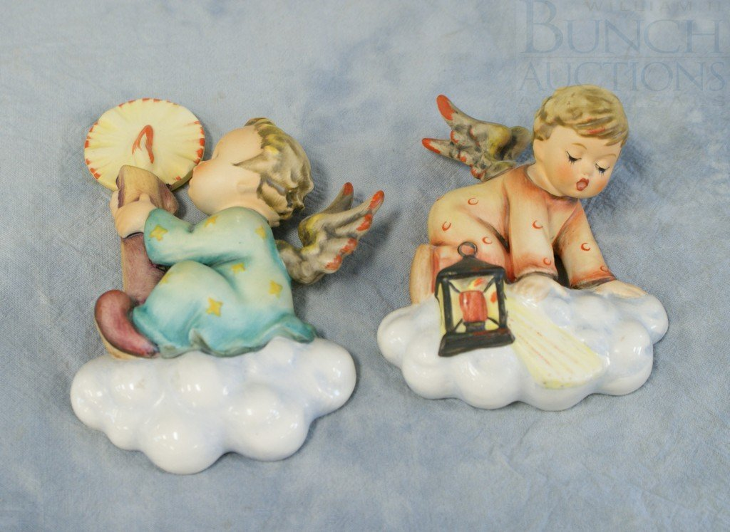 3153G: (2) Hummel wall plaques, Searching angel, 310, T