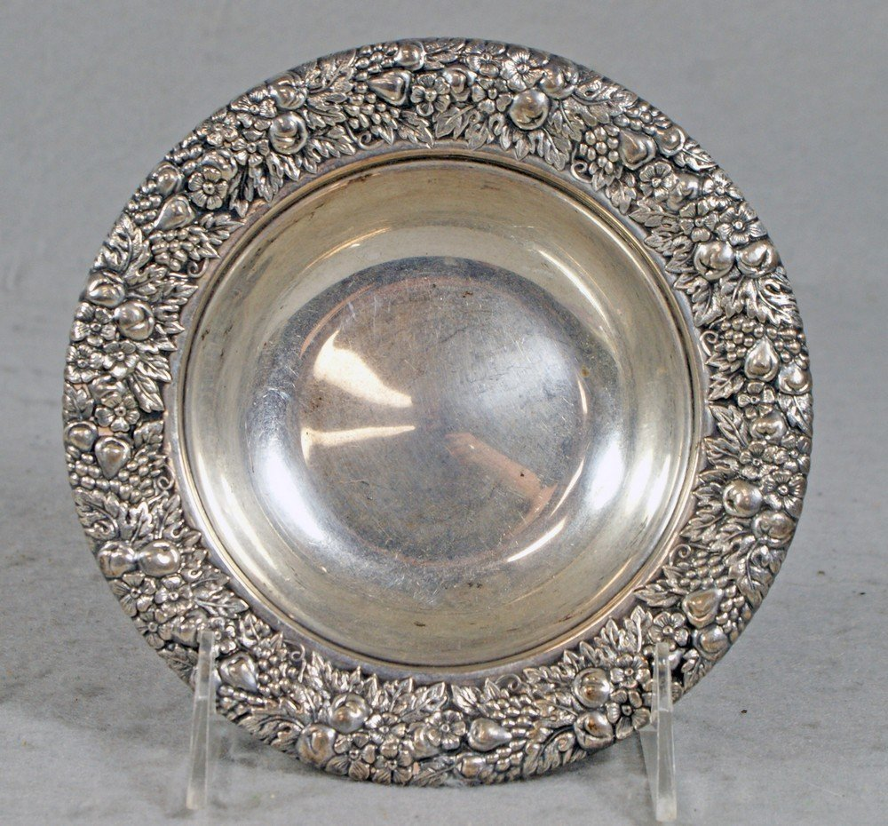 4066: Sterling silver bowl with floral repousse border,