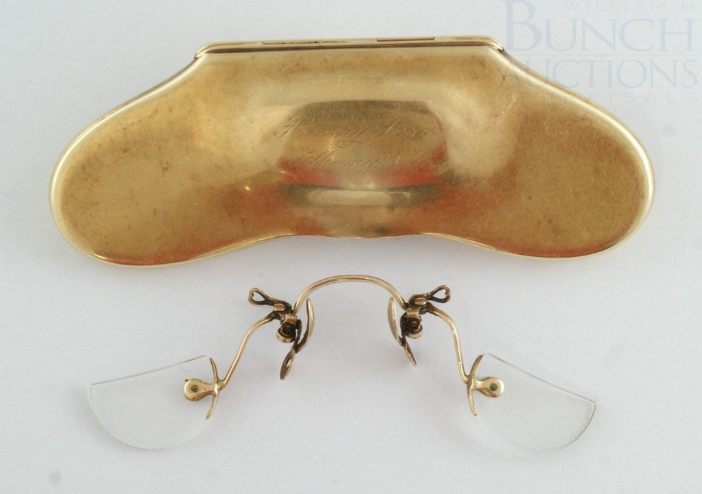 "4070B: 14K YG reading spectacles and case, engraved ""He"