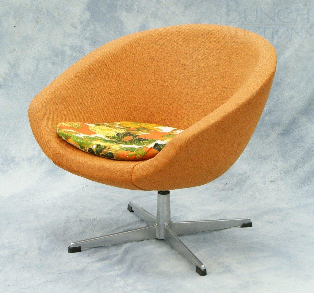 4191: Overman AB Swedish orange upholstered swivel chai