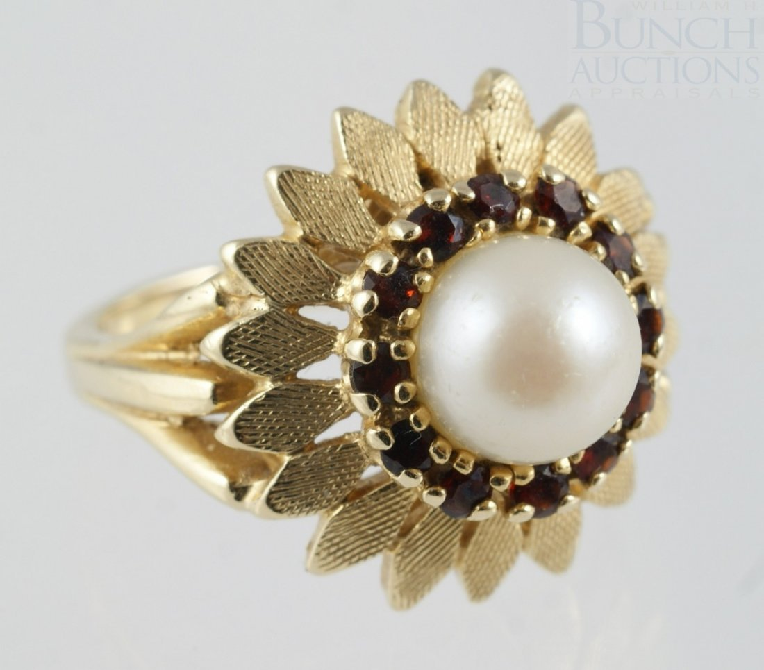 6099: 14K YG ladies pearl ring, 10 mm pearl surrounded