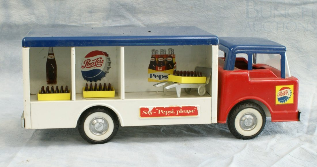 7004: Ny-Lint Toys pressed steel Pepsi delivery truck,  - 2