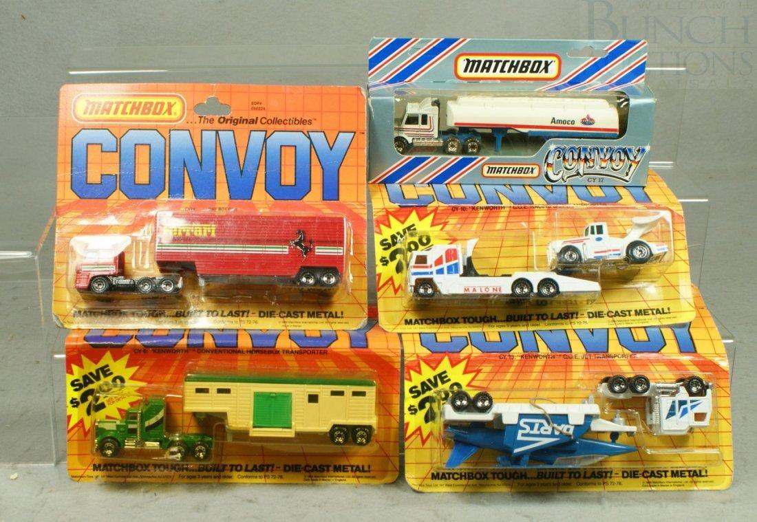 7093C: 5 Matchbox Convoy Toy Trucks in original blister
