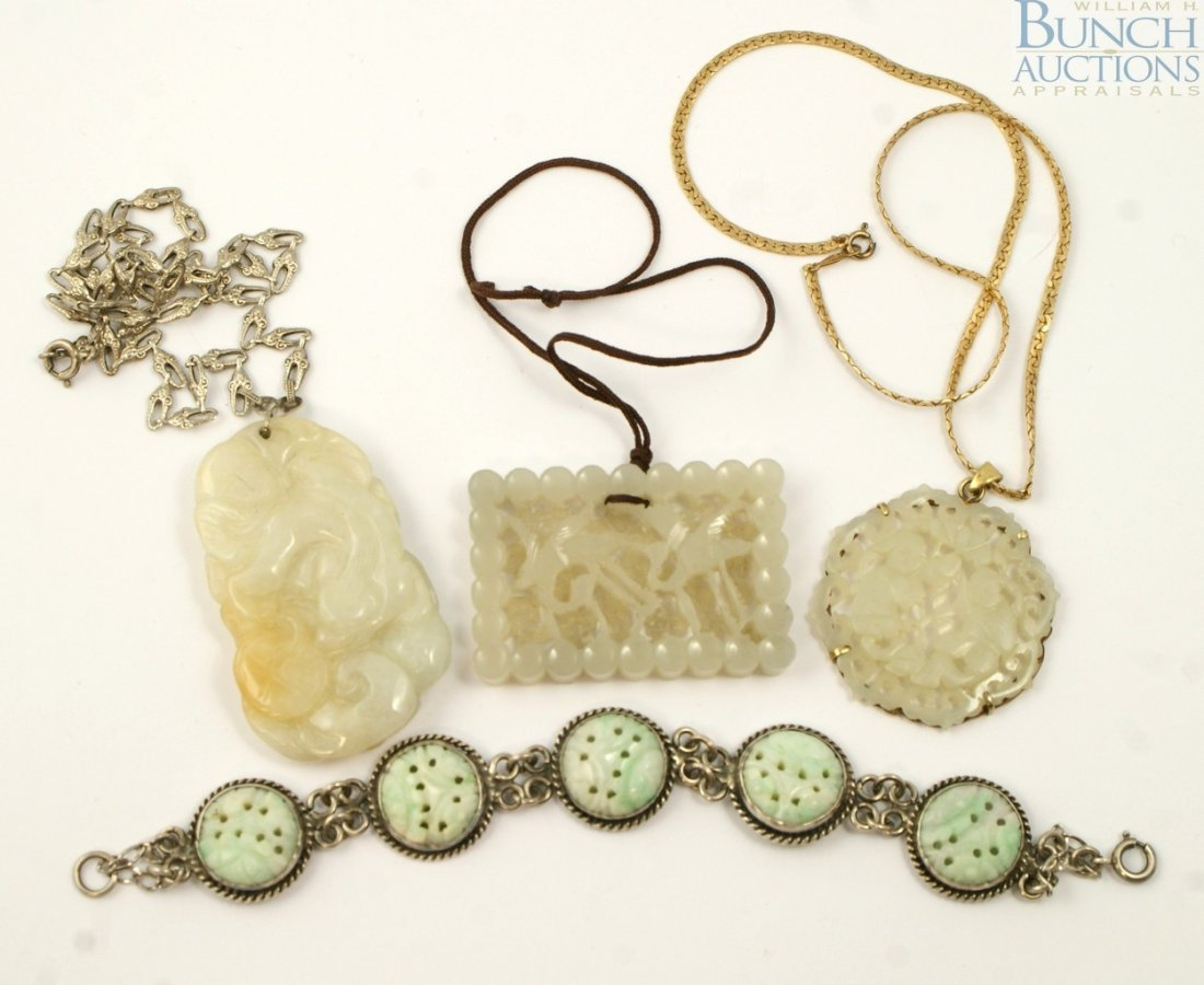 10086: 3 Chinese carved jade pendants, 2 on chains, wit