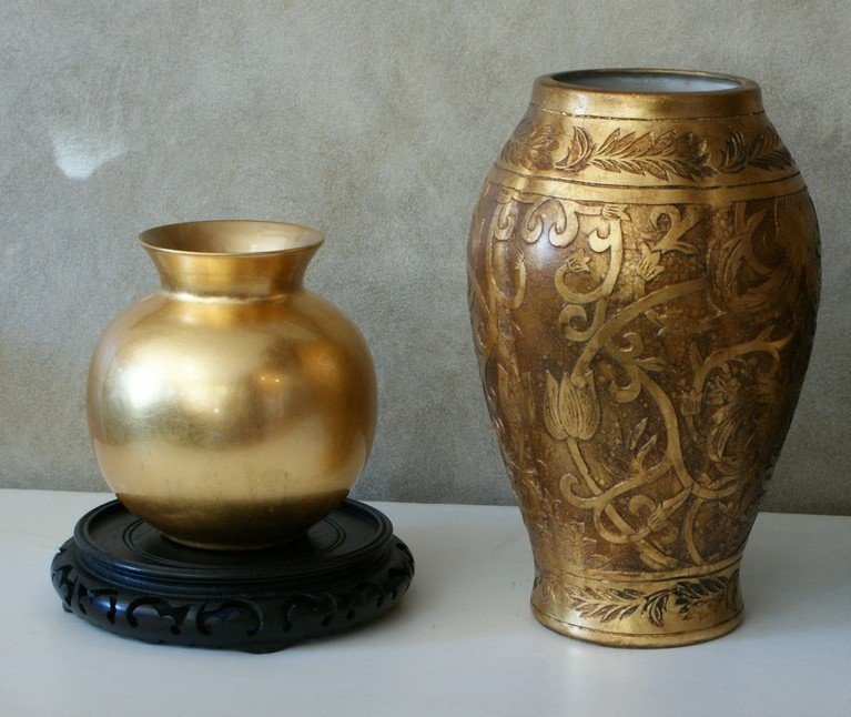 23: Two gold finished ceramic vase with brass finished