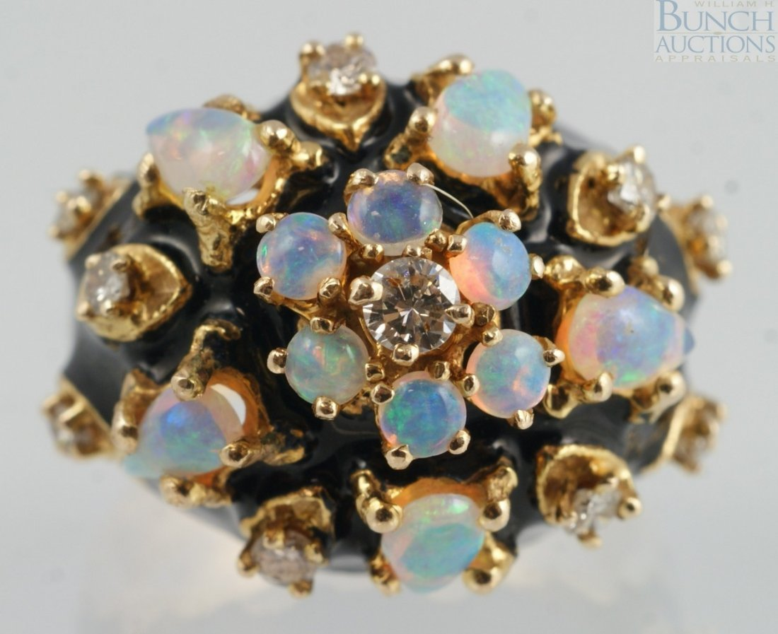 12007: 14K YG ladies ring with 10 opals and 10 diamonds