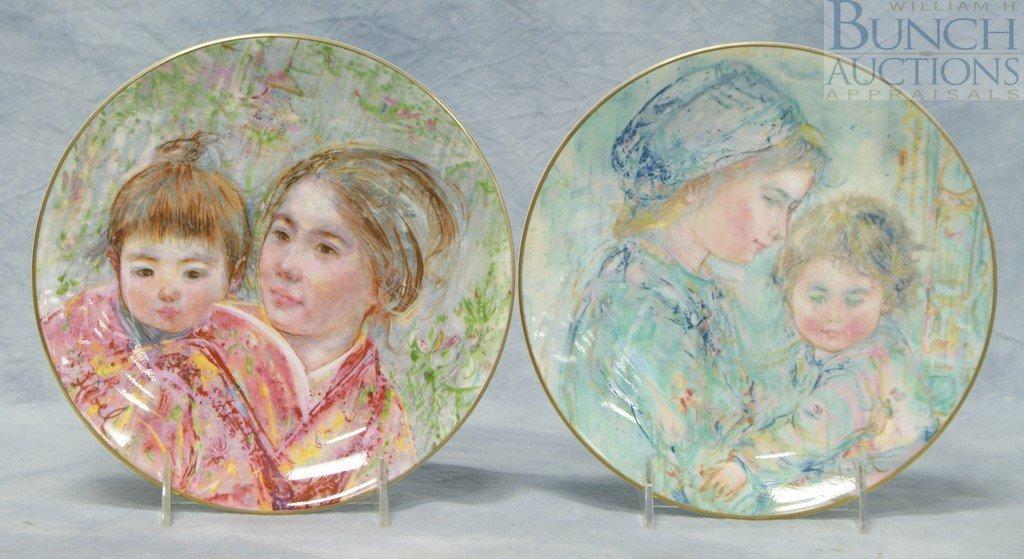 8008: (2) Royal Doulton Edna Hibel collector plates, 19
