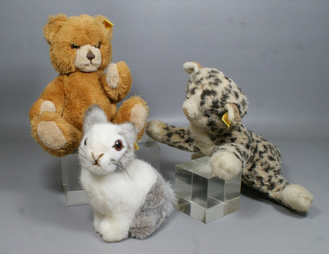 3 Steiff Animals, mohair leopard (with ear tag and butt