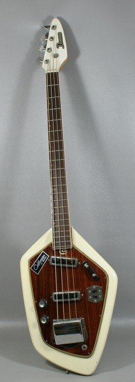 68 domino californian bass guitar model 552