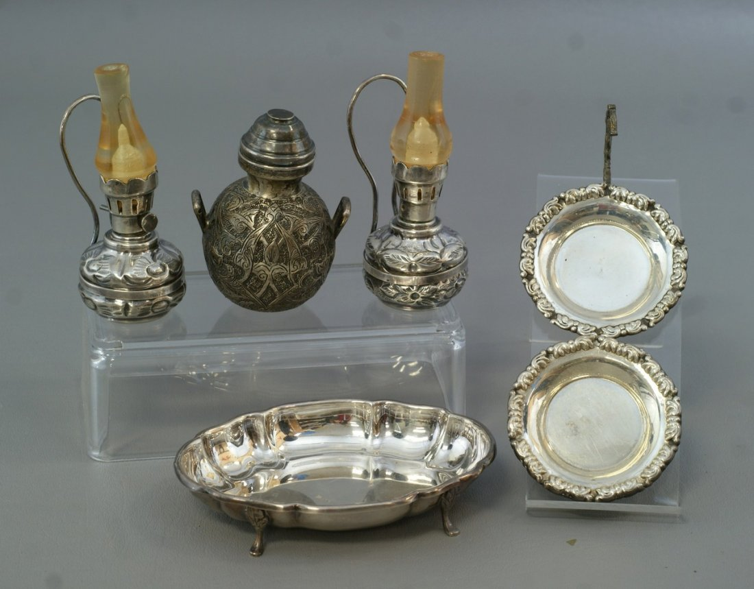 10 small silver Persian objects, 2 lamps, covered jar,