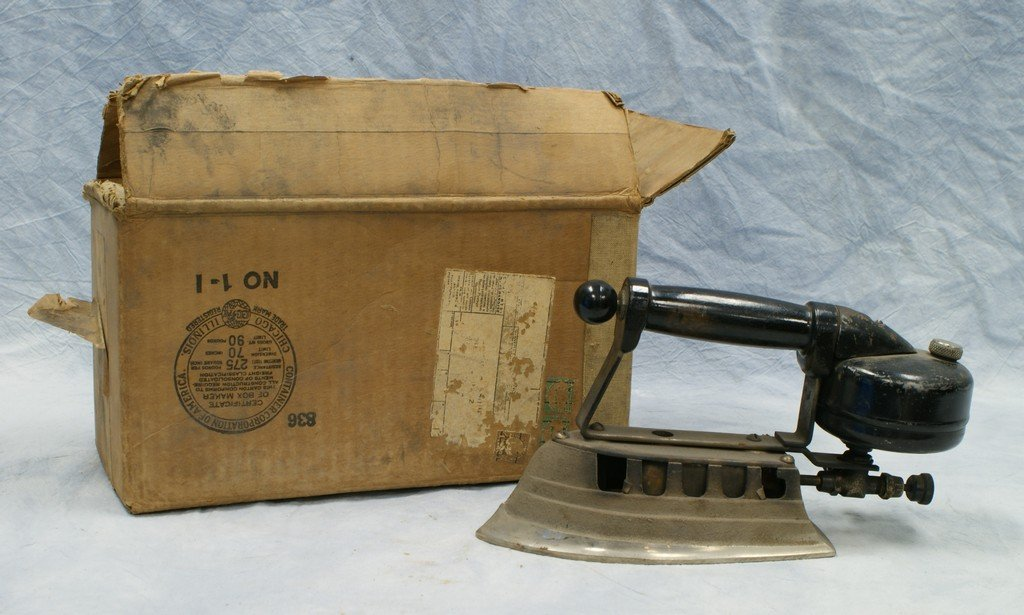 Fuel iron with box