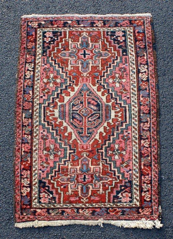 """Heriz Carpet, 2'4"""" x 3'10"""""""