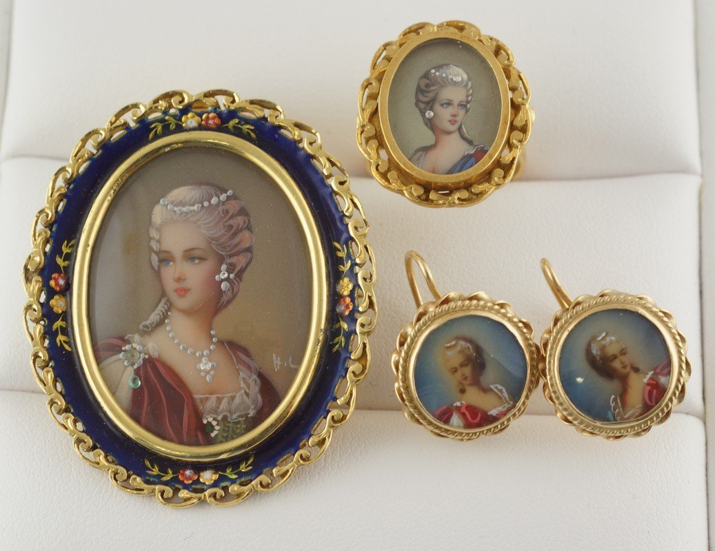 18K YG and enameled oval portrait pin with matching