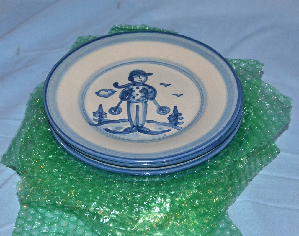 8 MA Hadley luncheon plates with skier decoration, 9""