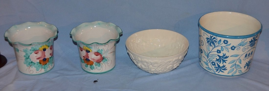 White Spode floral relief bowl with three Italian