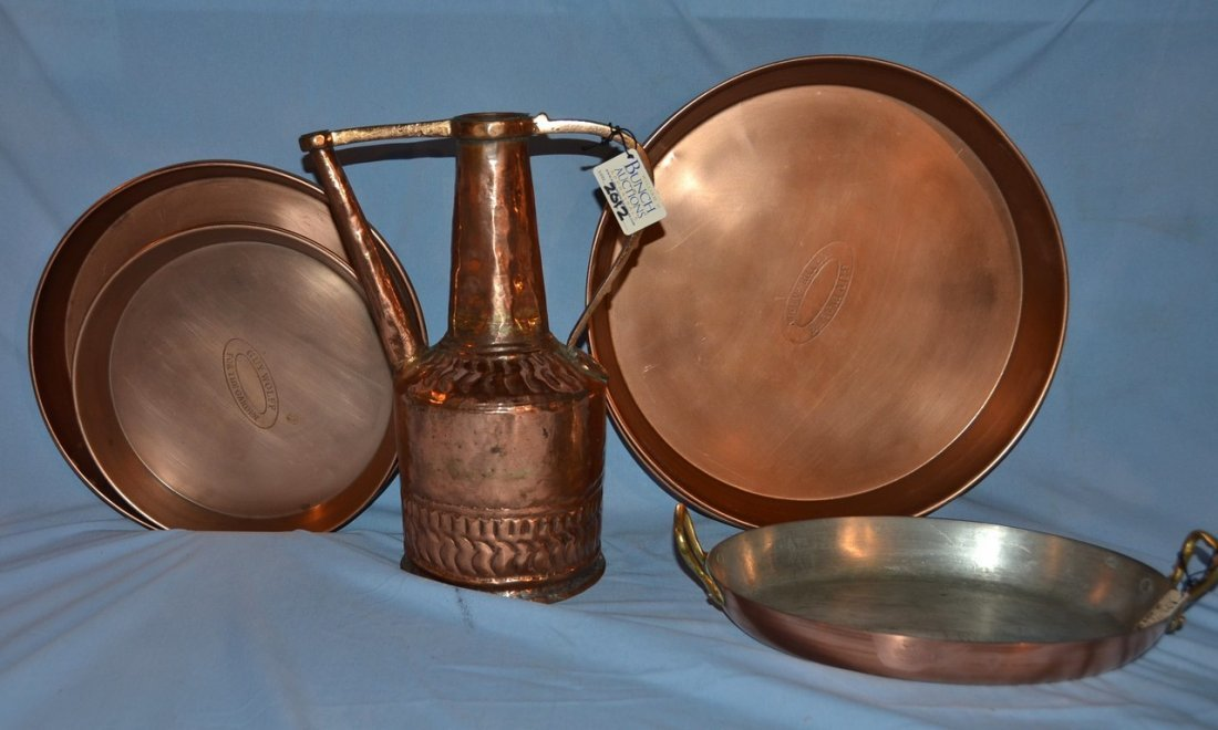 12 pieces of copper, including a ewer, a baking dish,