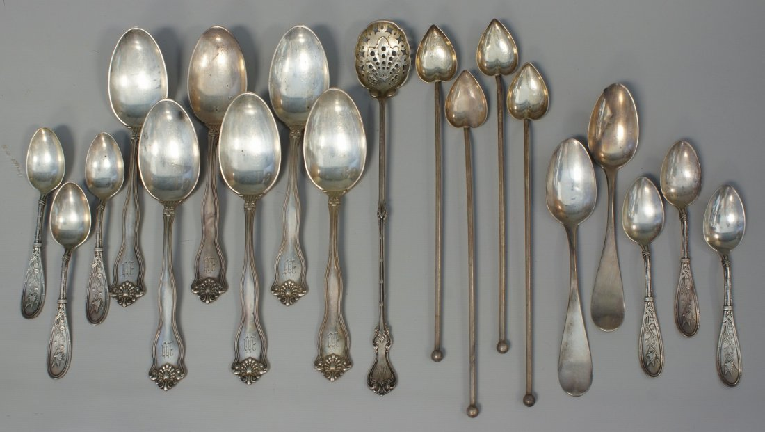 6 Simpson Hall Miller sterling silver soup spoons, 5