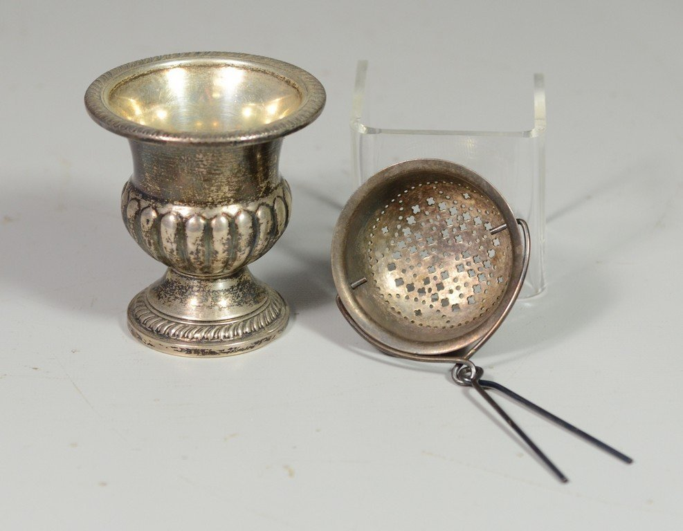 Sterling match urn with gadrooned design to base, 2