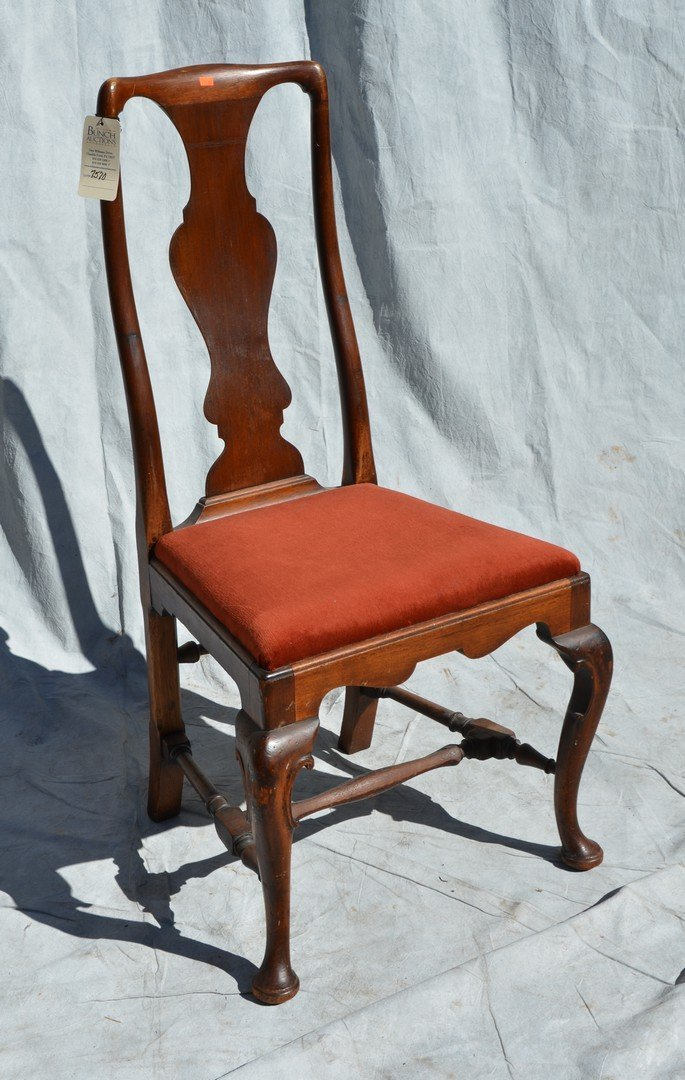 Mahogany Queen Anne style side chair, stretcher base,